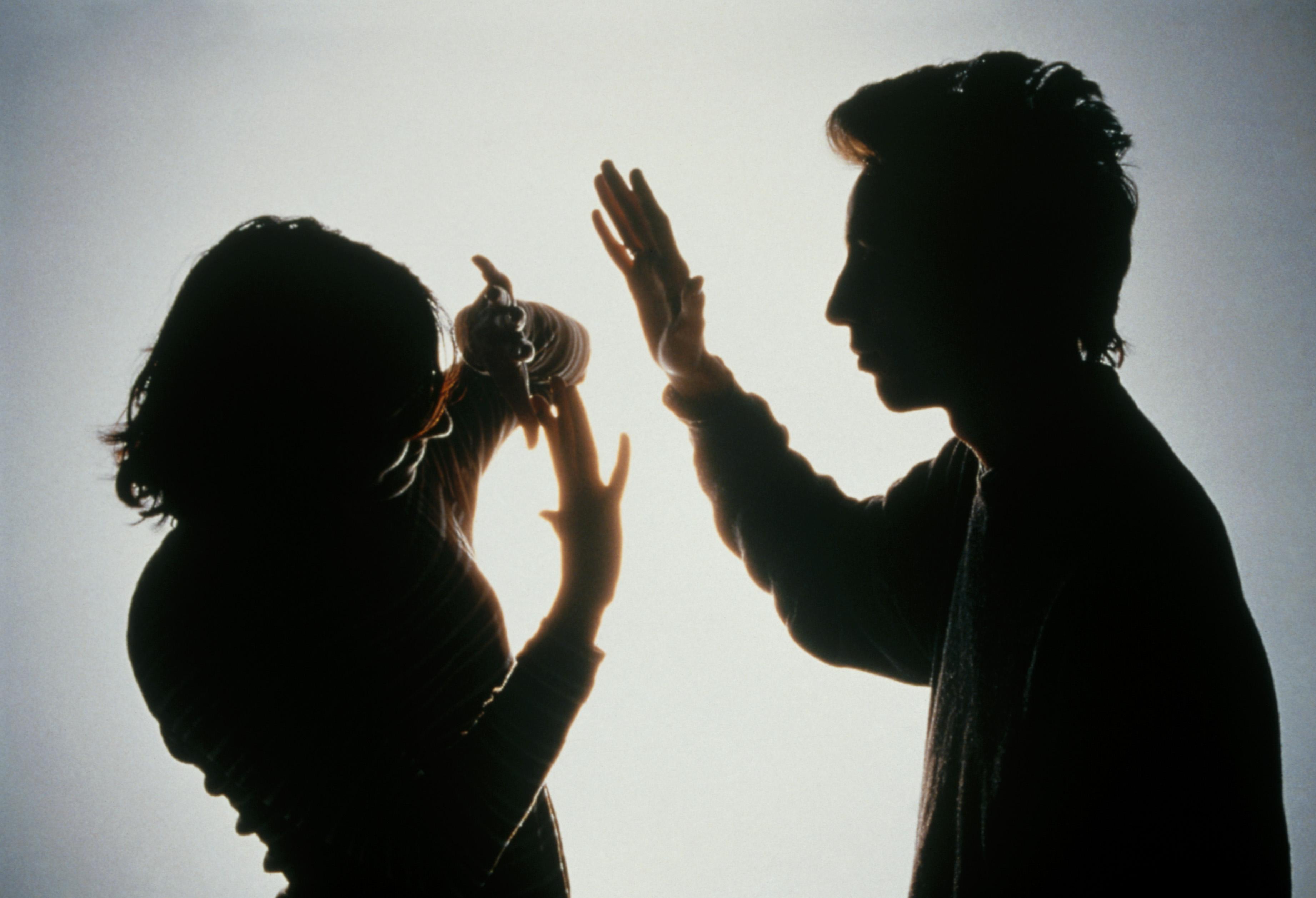 Acusado de violência doméstica começou a ser julgado à porta fechada