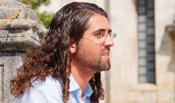 Padre Francisco Martins abandona sacerdócio