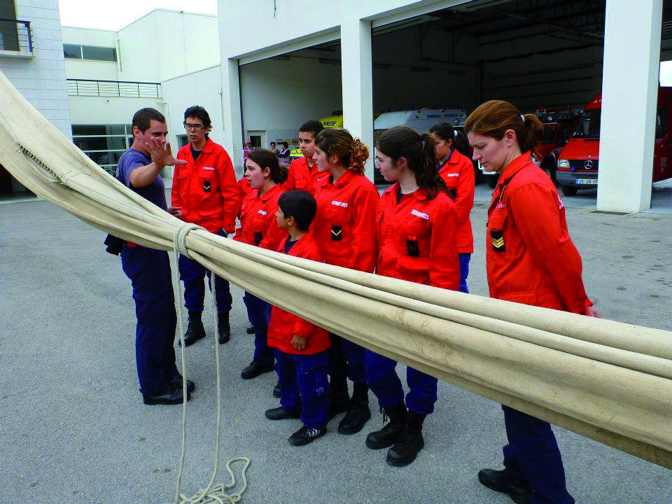 Escola de Bombeiros inicia novo ano letivo em outubro para garantir o futuro da corporação
