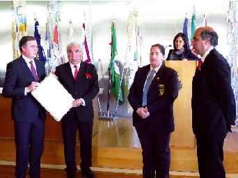 Banda da Mamarrosa  recebe diploma de mérito