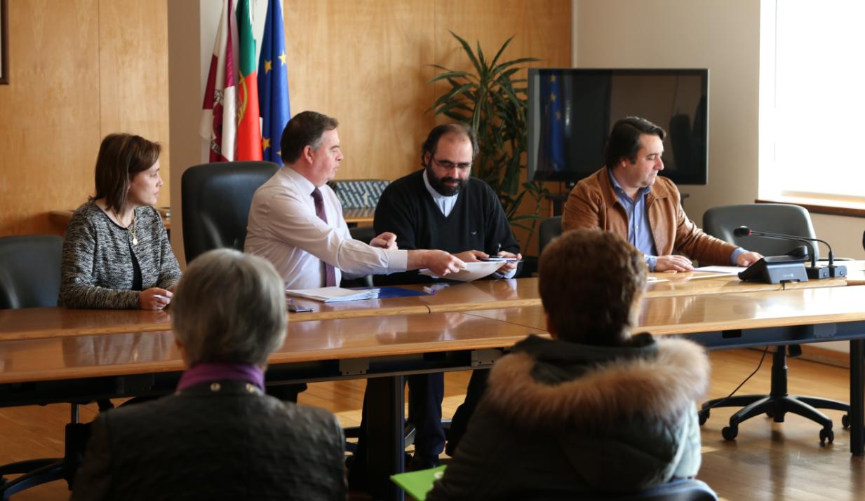 Câmara paga 58.550 euros às associações