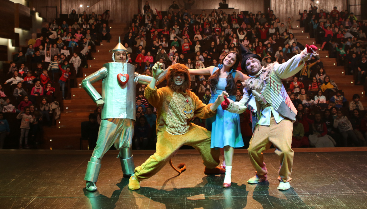 Natal no Quartel das Artes com teatro e coros