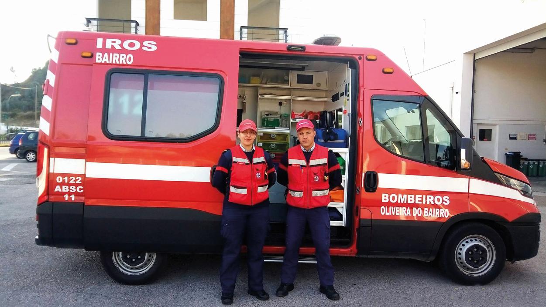 Cólica renal termina em parto dentro de uma ambulância