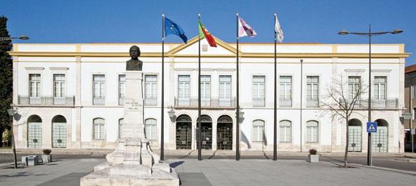 Anadia: Câmara Municipal distingue funcionários e cidadãos do concelho