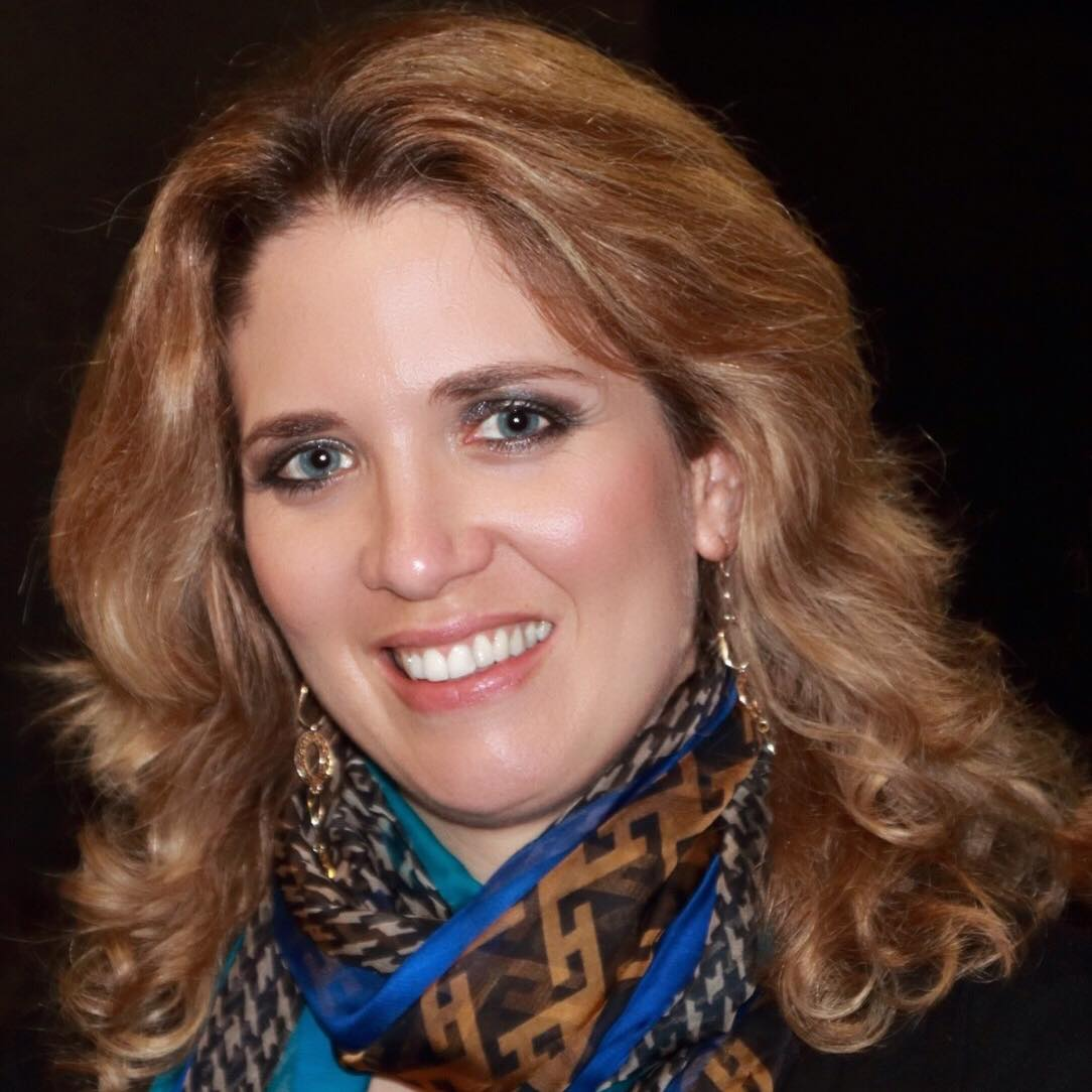 Oriana Pataco, Diretora