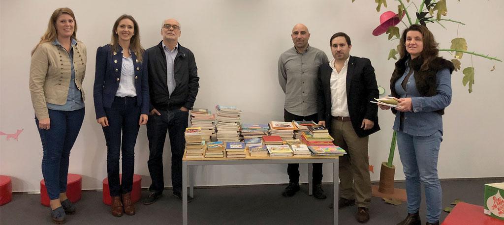 Águeda: Rotary doa livros para a Biblioteca Municipal