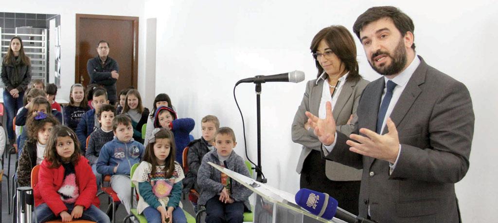 Anadia: Ministro ouve críticas ao abandono da EB e da Secundária