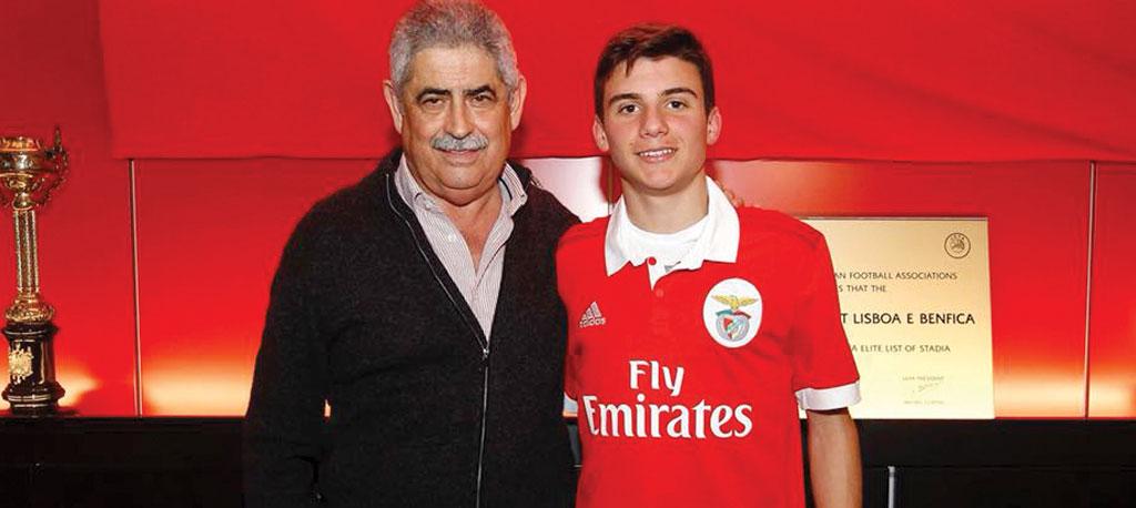 Rafa Rodrigues assina contrato profissional com o SL Benfica