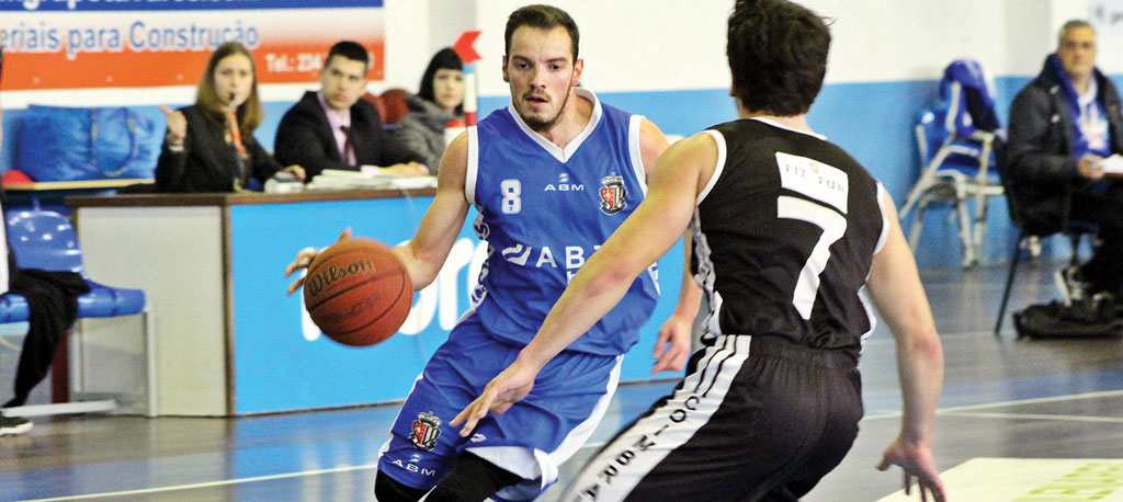 Sangalhos, 64 – Olivais, 41