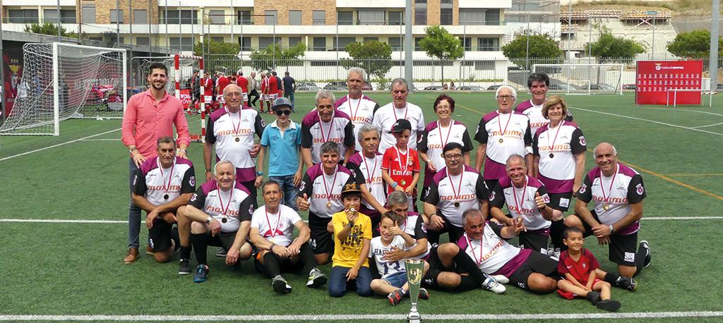 Oliveira do Bairro: Vice-campeã UNISOB deixa marca no 1.º torneio nacional de Walking Footbal