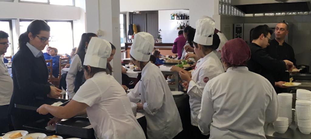 Escola Profissional de Anadia: Novo curso de Auxiliar de Saúde na VITI