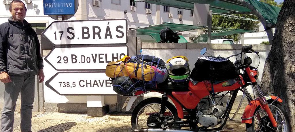 Moita: Anadiense faz 1500 quilómetros, em 45 horas, numa motorizada com 46 anos