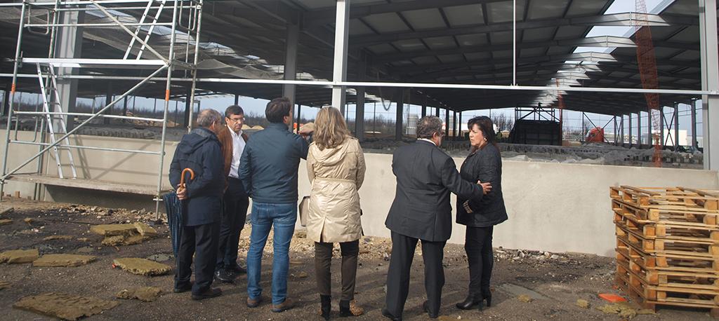 Autarca e deputados visitam Sanindusa um ano após incêndio