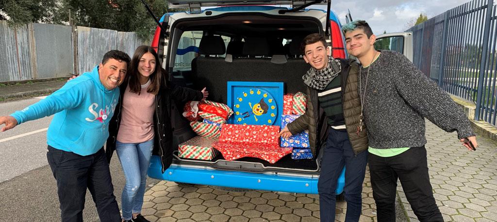 """Projeto """"Mais Feliz"""" leva Natal a crianças de famílias desfavorecidas"""
