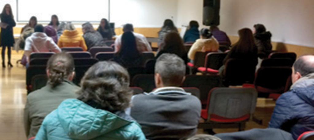 Agrupamento Escolas Anadia: Pais preocupados com insegurança, uso de telemóveis e alimentação