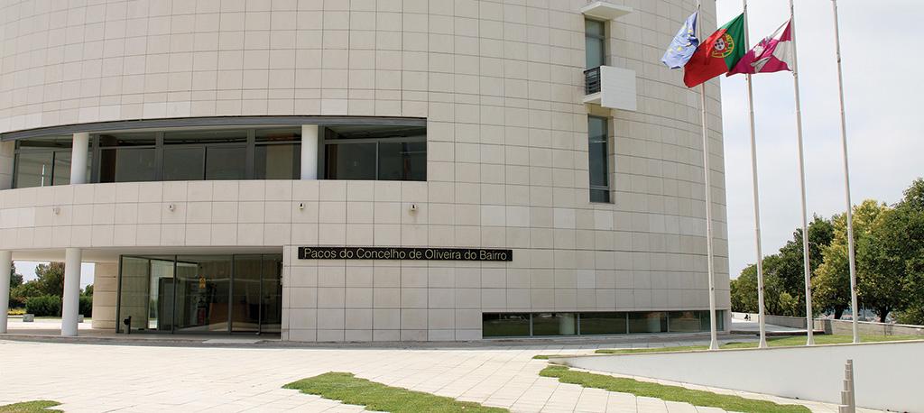O. do Bairro: Tribunal deixa cair acusação do MP contra 17 autarcas (atualização)