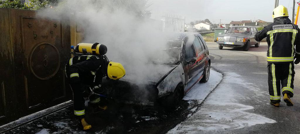 Palhaça: Incêndio destrói viatura em Vila Nova