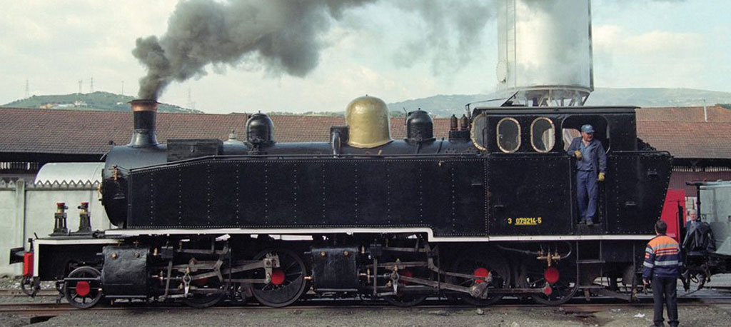 """Águeda: """"Vouguinha"""" a vapor regressa ao carril para viagens históricas"""