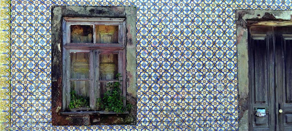 Oliveira do Bairro faz levantamento do património azulejar