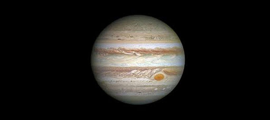 """Biblioteca de Anadia: """"Astronomia no verão""""  para contemplar Júpiter e Saturno"""