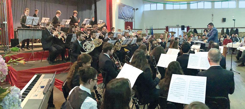 Filarmónica do Troviscal celebra 30 anos com livro e novo fardamento à vista