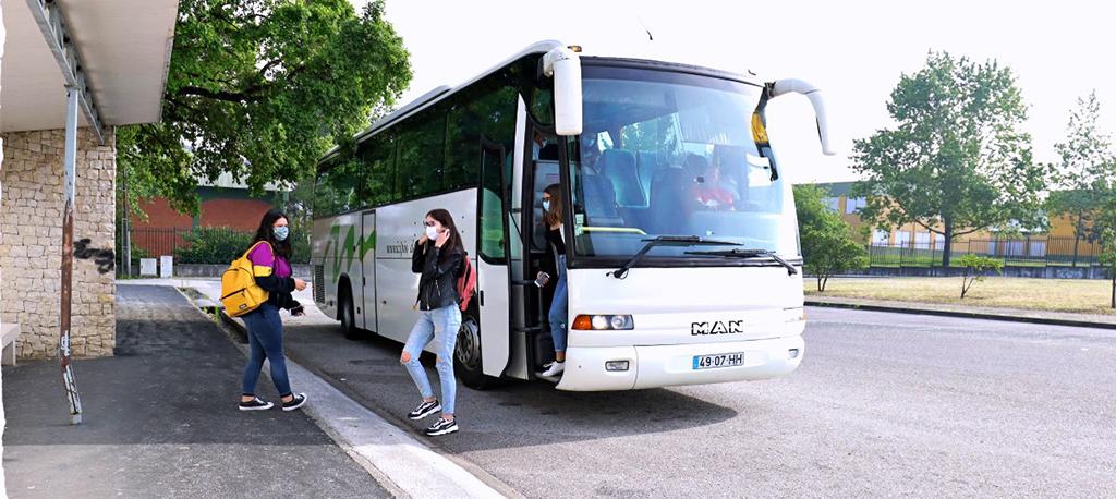 Câmara da Mealhada assegura transporte gratuito para 50 alunos do concelho