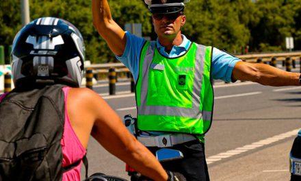 """GNR fiscaliza motociclistas na Operação """"MOTO"""" 2020"""