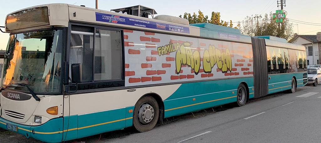 Autocarro pizzaria Mão Cheia renasce das cinzas