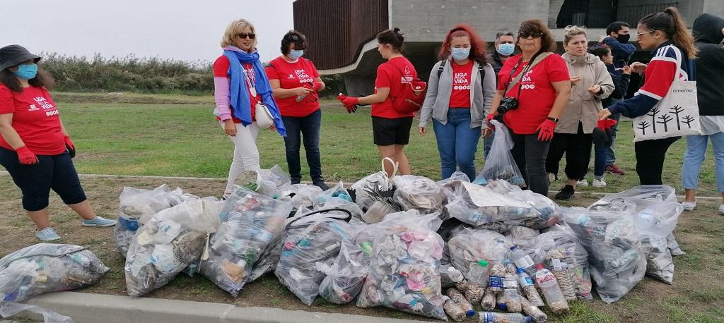 Rotary de Aveiro recolhe 300 kgs de lixo que iam parar ao mar